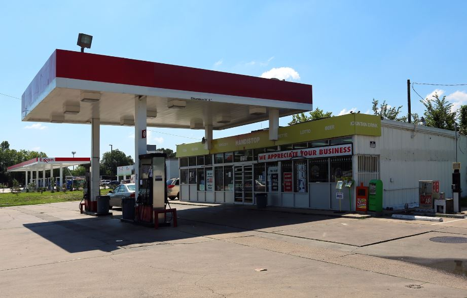 5 Houston Foreclosure Gas Station – C-Store For Sale